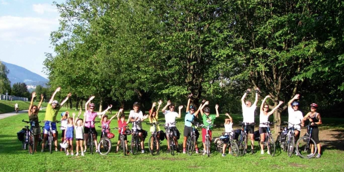 austria bicicletta bambini lungo