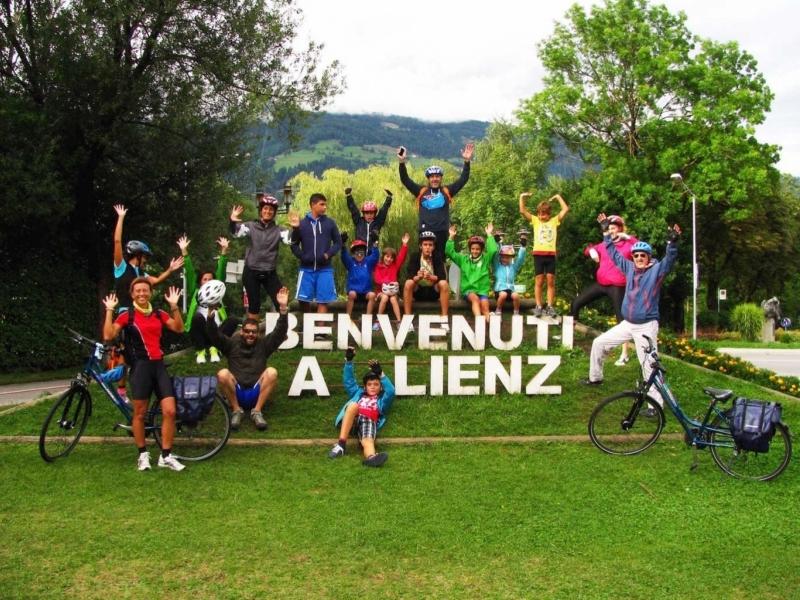 Bimbi in viaggio in Austria in bicicletta