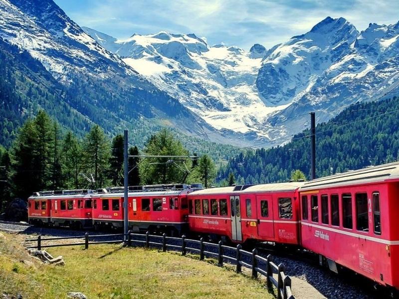 Gita sul Trenino Rosso del Bernina con bambini
