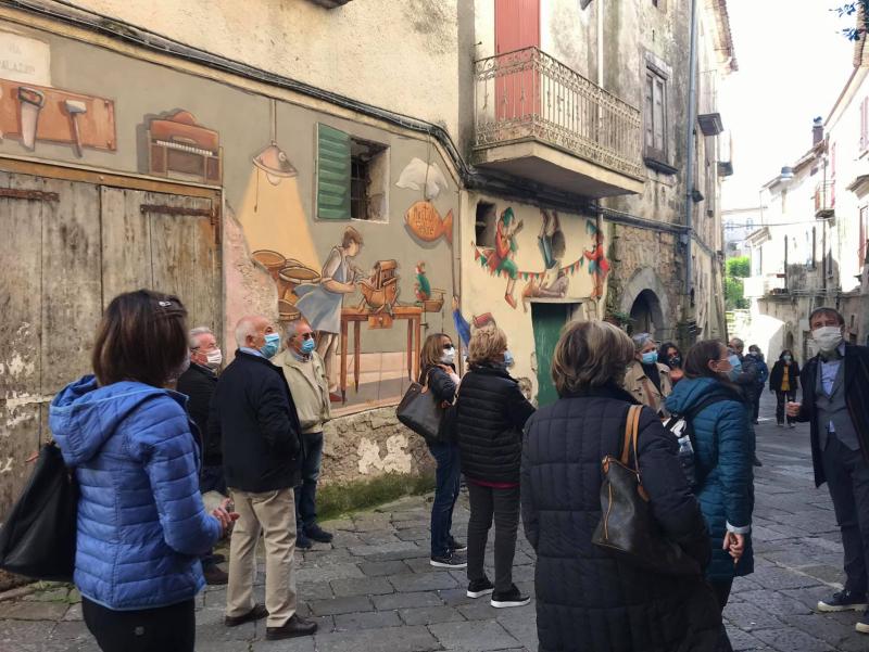 Il Borgo delle Favole Tour Esperenziale a Valogno