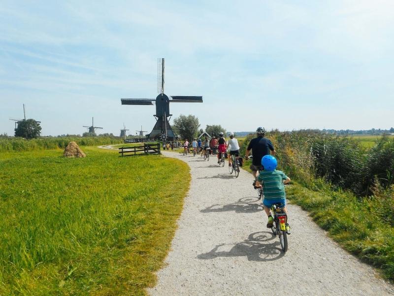 Olanda con bambini in bici e barca