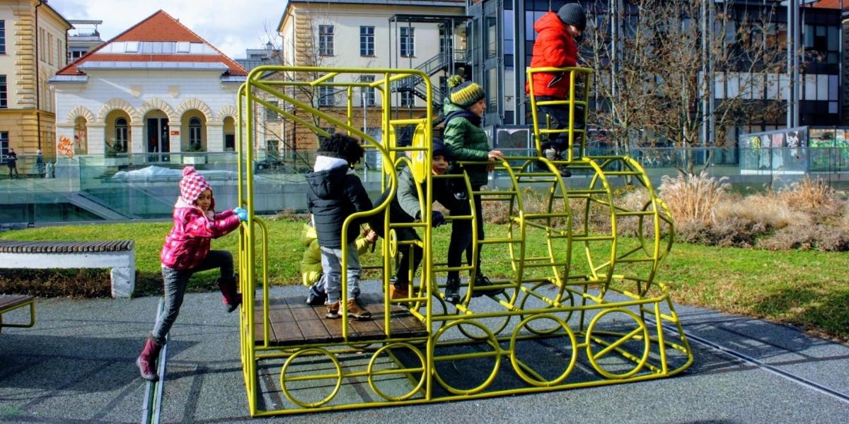 slovenia bambini ponte dell immacolata