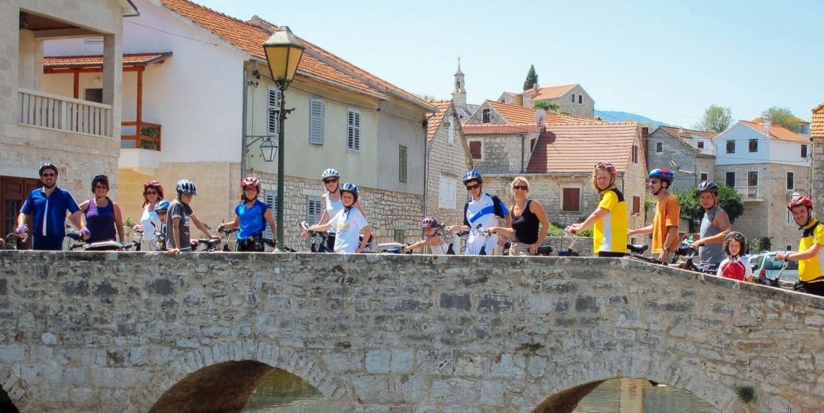 tour gruppo bicicletta dalmazia