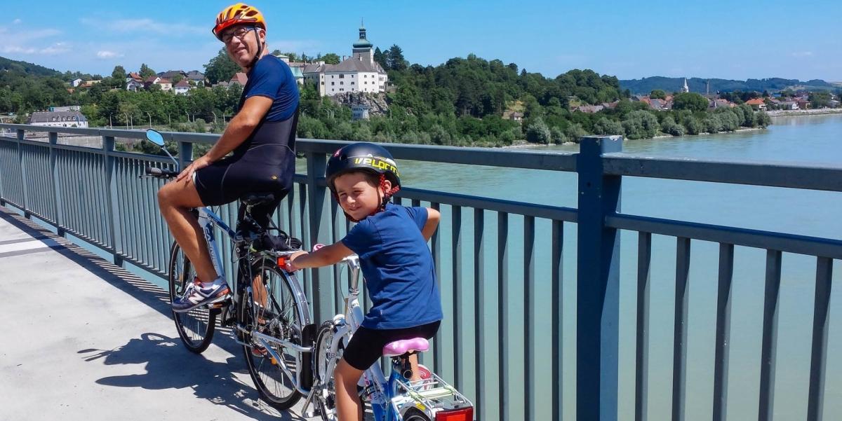 tour linz vienna bicicletta