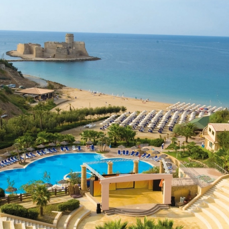 Vacanza in famiglia in Calabria in resort 4 bimbo gratis