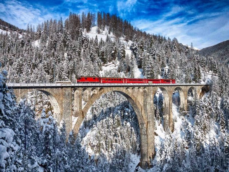 Viaggio a bordo del Bernina Express con i bambini
