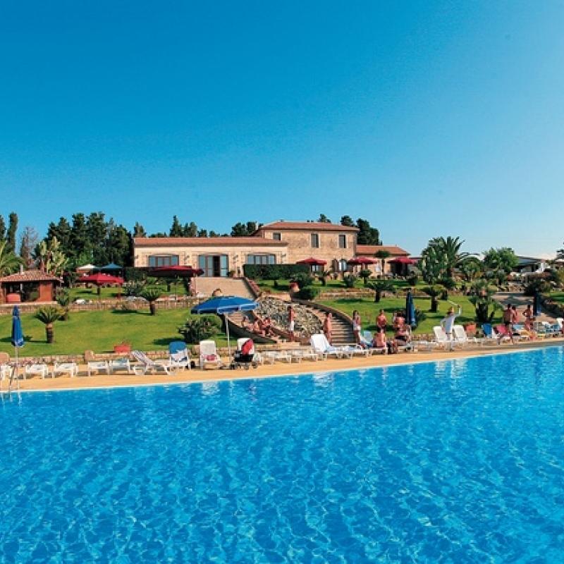 Villaggio 4sulla costa tirrenica calabra bimbo gratis